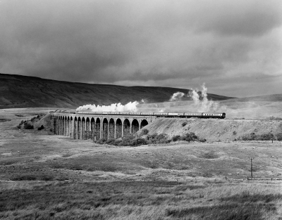 11 The flying Scotsman crosses Ribblehead Viaduct